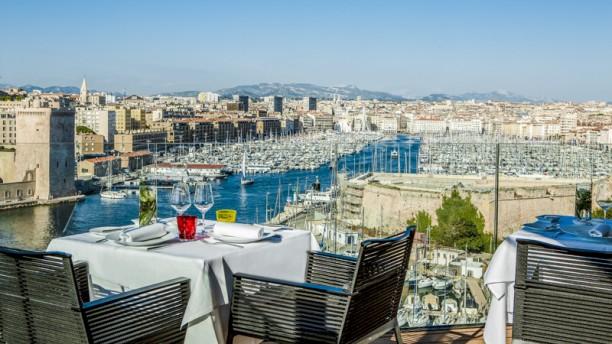 Restaurant les trois forts sofitel vieux port marseille - Au vieux port marseille restaurant ...