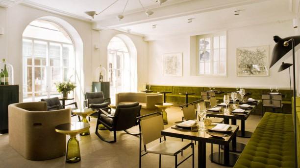 restaurant restaurant de tourrel saint r my de provence. Black Bedroom Furniture Sets. Home Design Ideas
