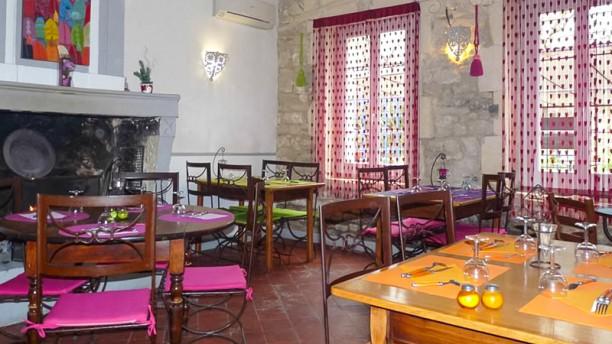 restaurant auberge de l 39 abbaye arles. Black Bedroom Furniture Sets. Home Design Ideas