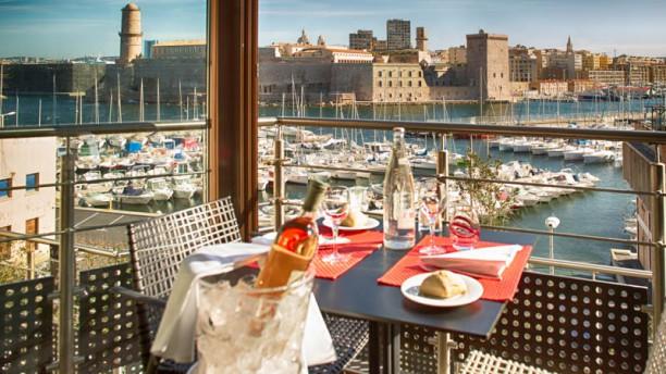 Restaurant novotel caf marseille vieux port marseille - Restaurant bouillabaisse marseille vieux port ...